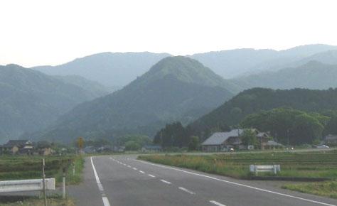三方富士【豊岡市日高町観音寺】