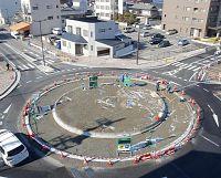 信号いらず丸い交差点、日本に定着するか?